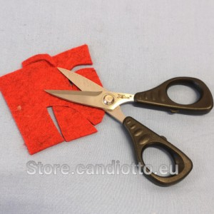 Finely_serrated_scissors_Xsor_5,5_inches